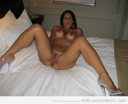 Beautiful nude women having oral sex