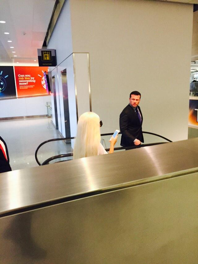 NEW!LADY GAGA AT JFK AIRPORT http://t.co/DDGS8yK3jz