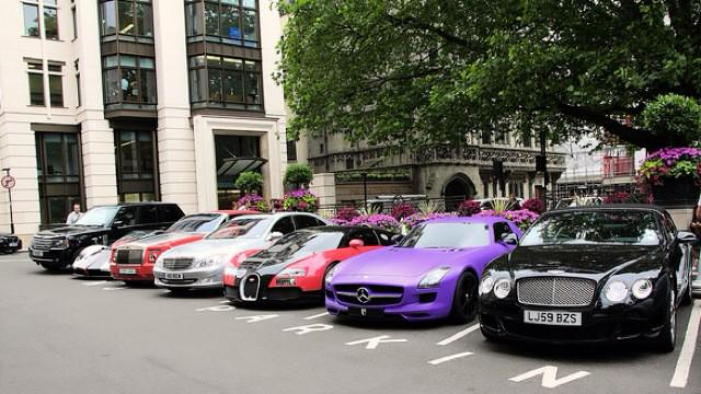 We see some impressive #cars in Mayfair. #loveourneighbourhood #FriFotos http://t.co/x9uaQKJRjS