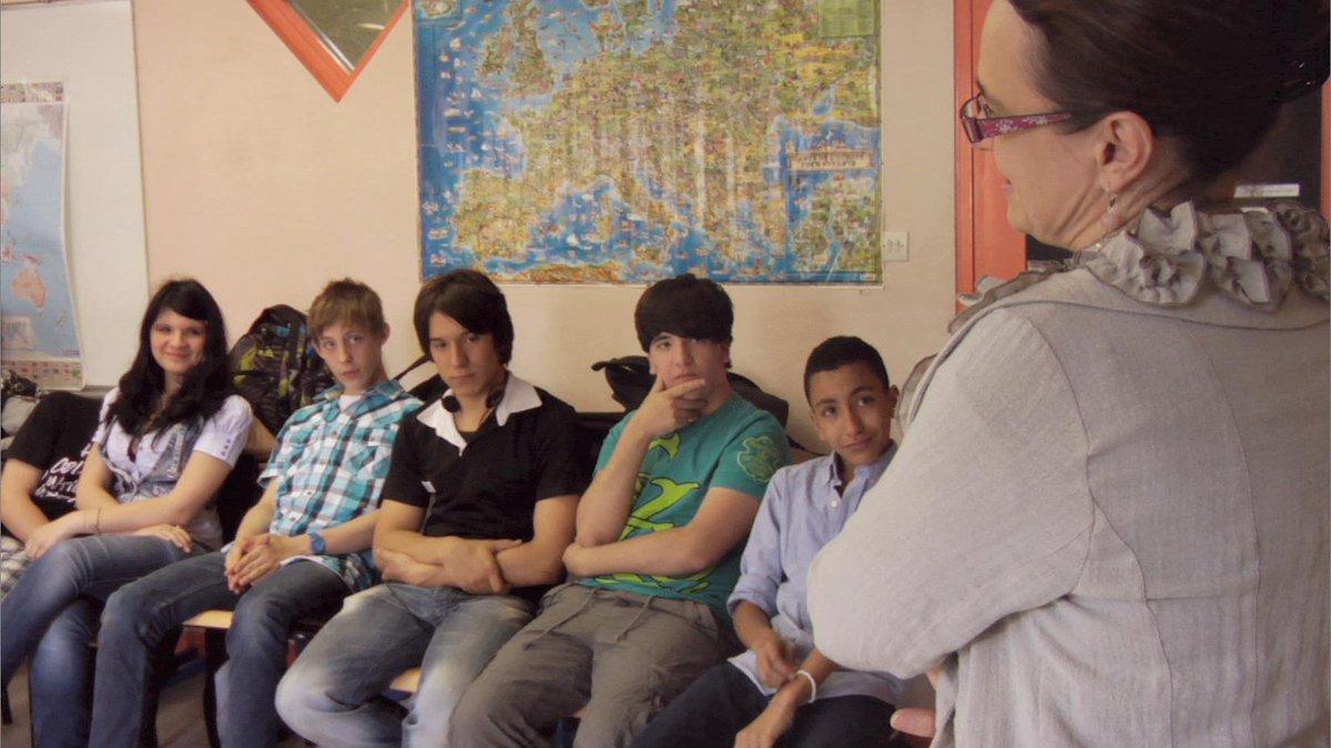 【映画紹介】『バベルの学校』  そこは「世界の縮図」のようなパリの中学校。国籍も、宗教も、肌の色もバラバラ。  でも、20ヶ国から集まった24人の生徒たちが違いを越えて絆を深めてく http://t.co/45QG9PVyYJ http://t.co/4zYTDFgX8K