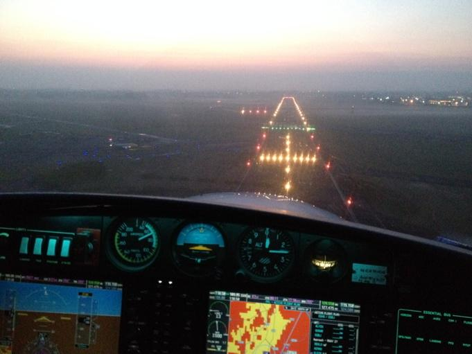 RT @TAAUK: Awesome approach and landing as the daylight draws to an end. @carolvorders JP http://t.co/zUXb0QMapr