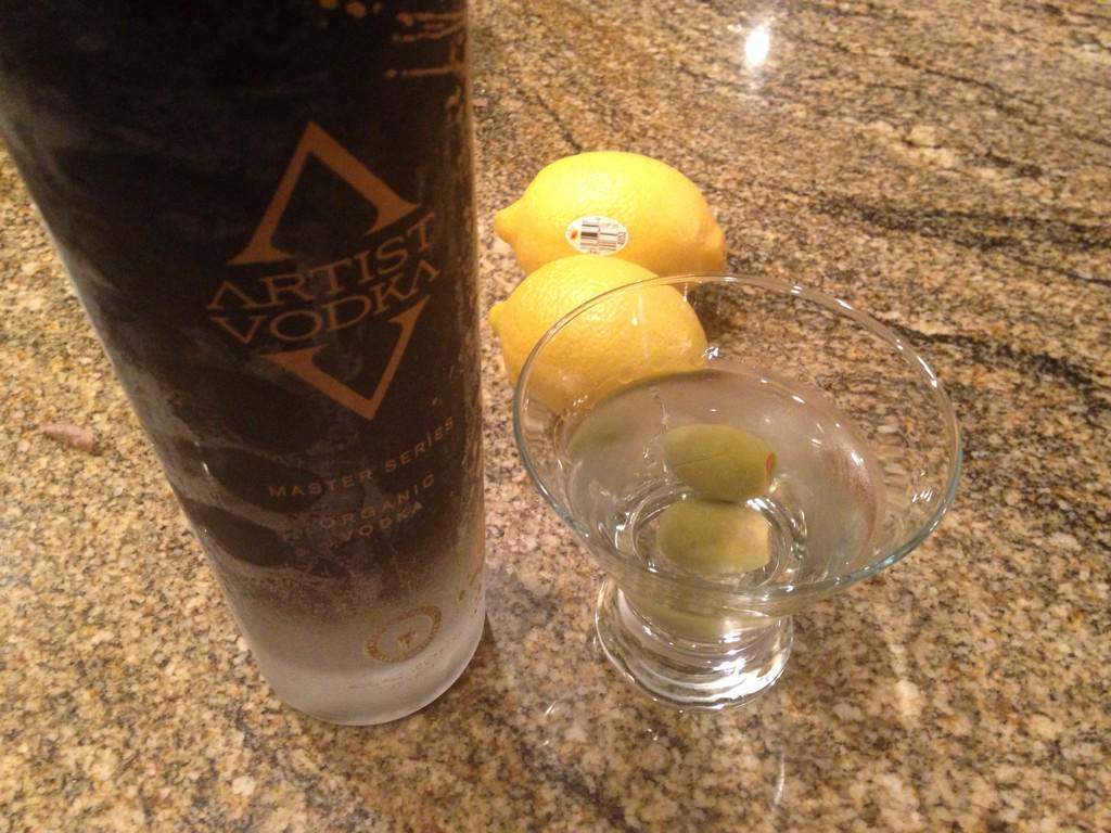 How NYT best-selling authors enjoy their evening. RT @aceatkins: A Mississippi 007 cocktail Thanks to @artistvodka http://t.co/5mdJPnO72o