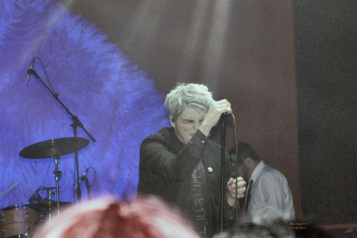 Ok some pics from Brixton @gerardway Not brill, struggled to get decent ones. http://t.co/p63u1dDNIF