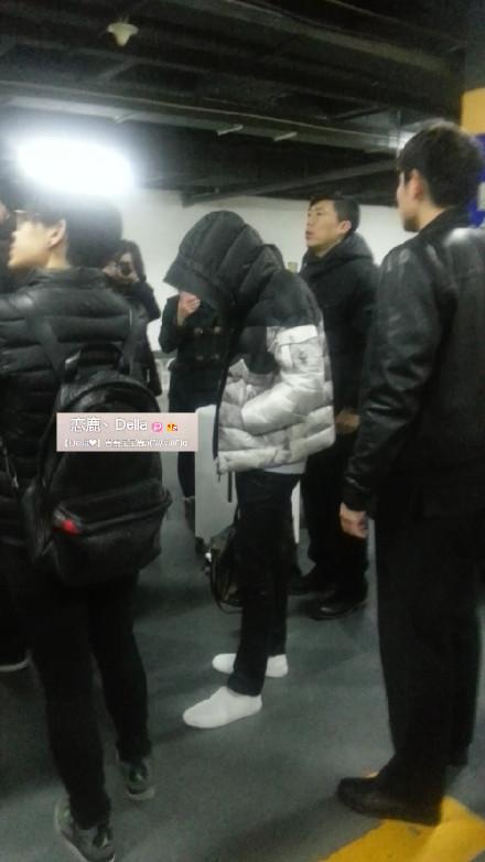 [PREVIEW] 150124 Beijing West Railway Station [25P] B8FIOW0CQAENOgO