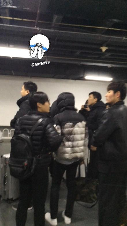 [PREVIEW] 150124 Beijing West Railway Station [25P] B8FIbqcCUAAuLSR