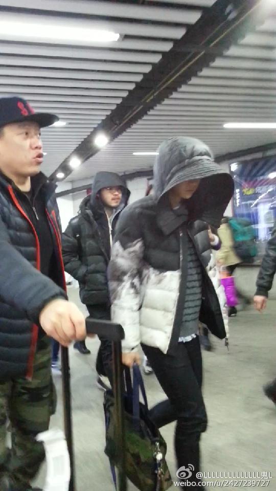 [PREVIEW] 150124 Beijing West Railway Station [25P] B8FJGCYCYAAsf59