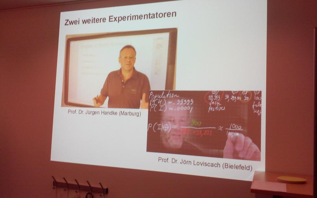 @juergen_handke         und jörn lovisach als bsp für design based researcher #fowe11 http://t.co/ijxGm8bnjt