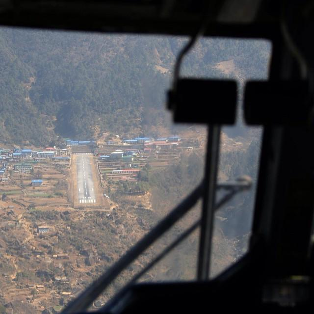 Won't be taking Mildred here in a hurry! RT @MEGAPLANE Final approach Lukla, Mount Everest. end of the runway, a wall http://t.co/6i7mYr1BHM