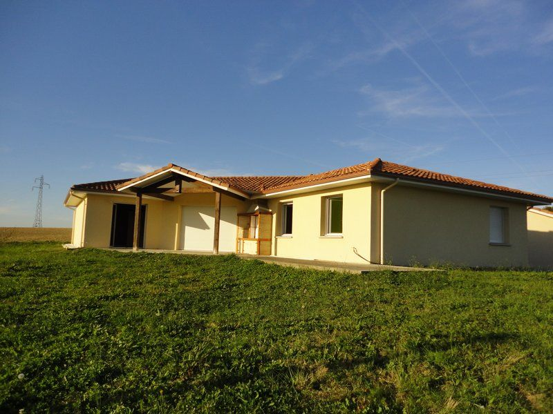 40380 Montfort En #Chalosse Vila/Luxury home - For Sale  http://www. globimmo.net/en/for-sale/vi la-luxury-home/montfort-en-chalosse/54c34b63214a69f675000046.html &nbsp; … <br>http://pic.twitter.com/EPg8tpO4HC
