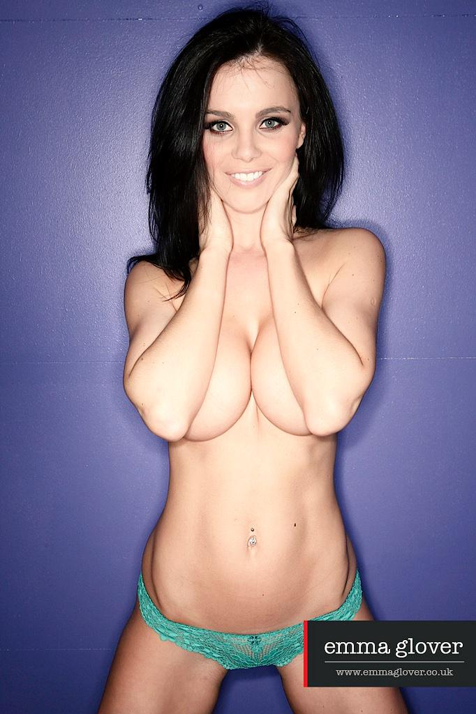 Emma Glover Topless At The Pool Yes Porn 1