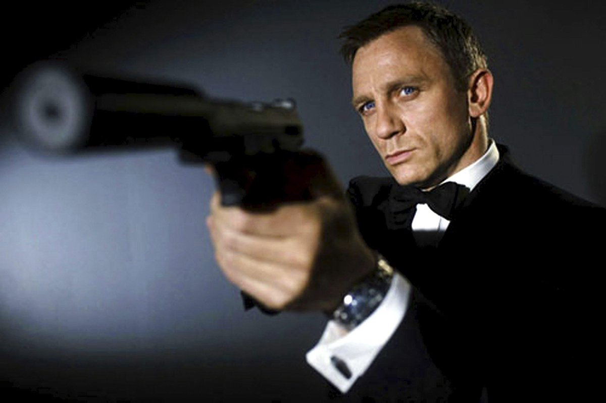 Which #jamesbond would you be at our #roundtable #charity ball? http://t.co/hGAjVZFbbt