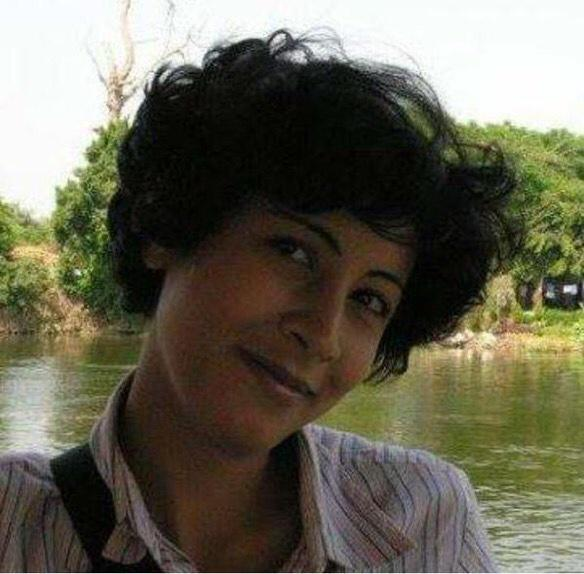 A peaceful march in downtown #Cairo was attacked by police with shotguns and Shaima al Sabbagh has been killed #jan25 http://t.co/tzqqe8r9Rx