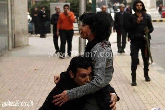 RT @vdesc: Shaimaa, 35 ans, tuée par la police de l'égypte de Sissi. Son mari qui la porte dans son dernier souffle a été arrêté http://t.c…