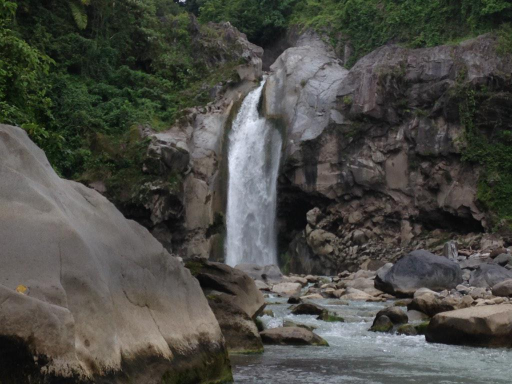 Mangku-Sakti-Waterfall