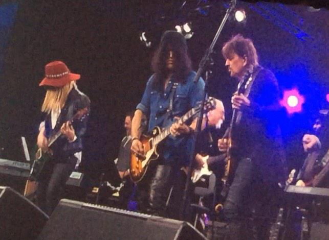 @Slash with @TheRealSambora & @orianthi at NAMM after receiving Les Paul Award tonight  http://t.co/DAvkbIIIaN http://t.co/6PonMFp4uc