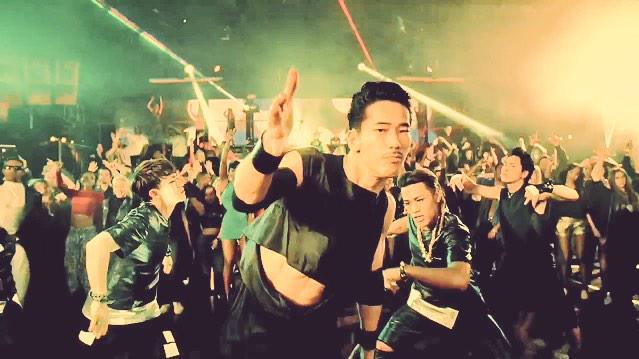 踊ってる小林直己