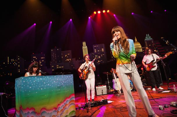 """""""@stereogum: Watch @TheRyanAdams and @JennyLewis' full episode of Austin City Limits http://t.co/EdfRVnynOr http://t.co/RLS2ivgbLL"""""""