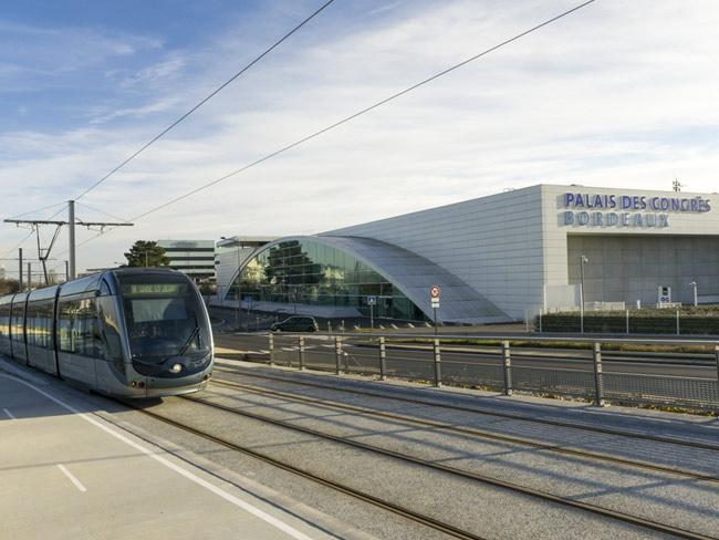 The tram line from the Exhibition centre of Bordeaux to the City was opened yesterday: 20 min to go to #Vinexpo! http://t.co/XNZ9RasR4L