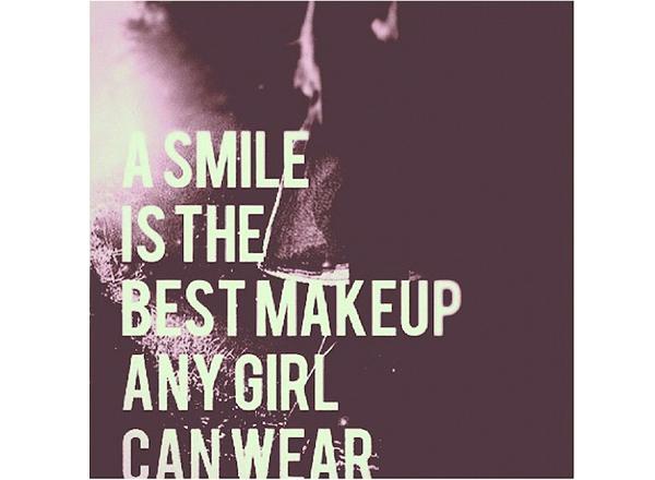 「笑顔は最高のメイクアップ。」2015年あなたを輝かせる5つの言葉。#quote#YOLO