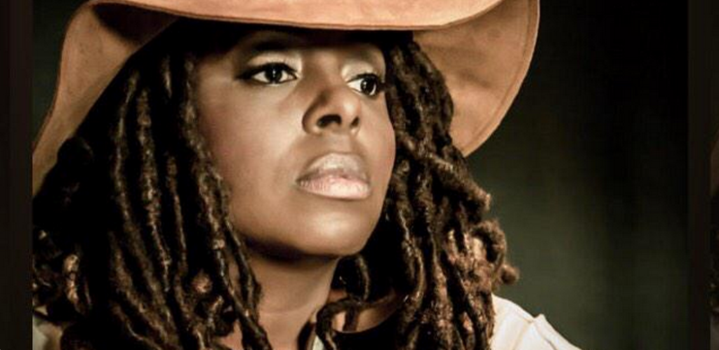 Grammy nominated @Ledisi goes acoustic on #TheIntimateTruthEp.  http://t.co/UhGQyYN7Iq http://t.co/TeUAiQqN6c