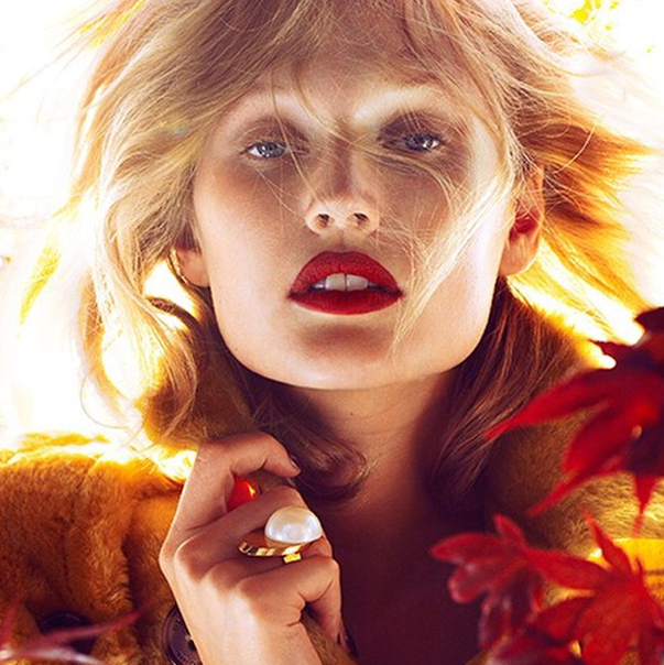 When in doubt, go for the red lip. http://t.co/Lah9NjrlIv