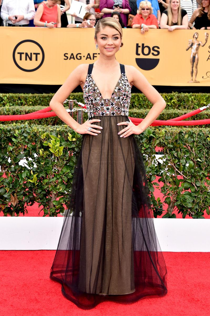 Our #SAGAwards red carpet fashion roundup is LIVE—see your favorite looks: http://t.co/9w7tz46yGh http://t.co/0iaHpFNlnw