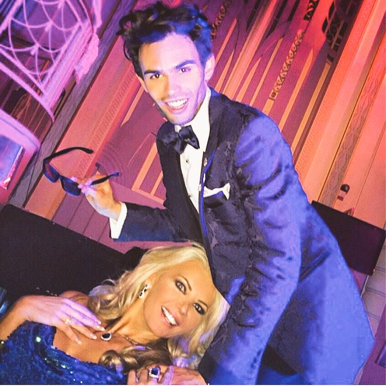RT @cla1re24: Too much fun with @MarkVandelli #Lisa's party http://t.co/v4ZBwlhYro