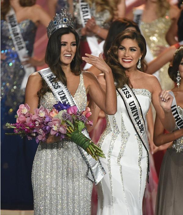 La colombiana @PaulinaVegaDiep, es la nueva #MissUniverso2015. ¡Felicitaciones! http://t.co/1GUtjRDZbd