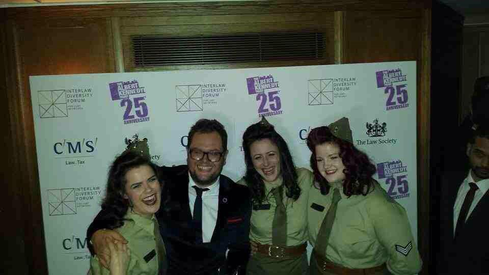 RT @victorysisters: Great end to the night at The Ivy Club with the @AlbertKennedyTr #WinterCarnival with the lovely @AlanCarr http://t.co/…