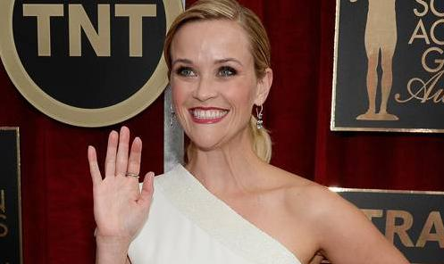 #ReeseWitherspoon is dripping in MILLIONS of dollars worth of jewels at the #SAGAwards! http://t.co/dOXxrLNzl2 http://t.co/36o6xTyGW4