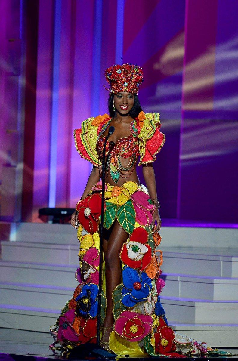 #MissUniverseHaiti's costume #MissUniverse http://t.co/XrYesaiLex