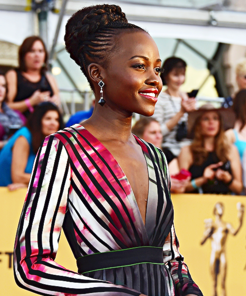 RT @BuzzFeeders: Lupita Nyong'o looks stunning tonight. #SAGAwards http://t.co/sTgFcGvEgO