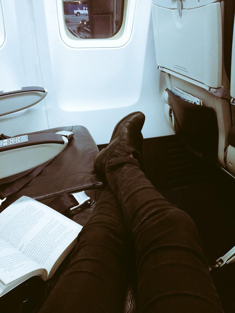 RT @Willaaaah: @Team_Barrowman I see your empty flight and raise you 3 seats on a full one http://t.co/YIh9DSwNKw
