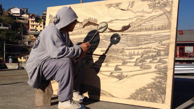 忍耐力すごい。太陽光線だけで作品を描くアーティスト : ギズモード・ジャパン