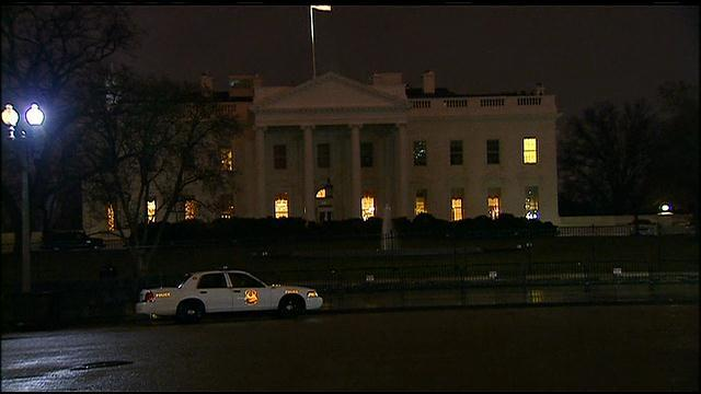 #UPDATE: 'Device' recovered at White House; radio transmissions indicate reported 'drone' http://t.co/tYxE5phaQN http://t.co/ZQW060sprm
