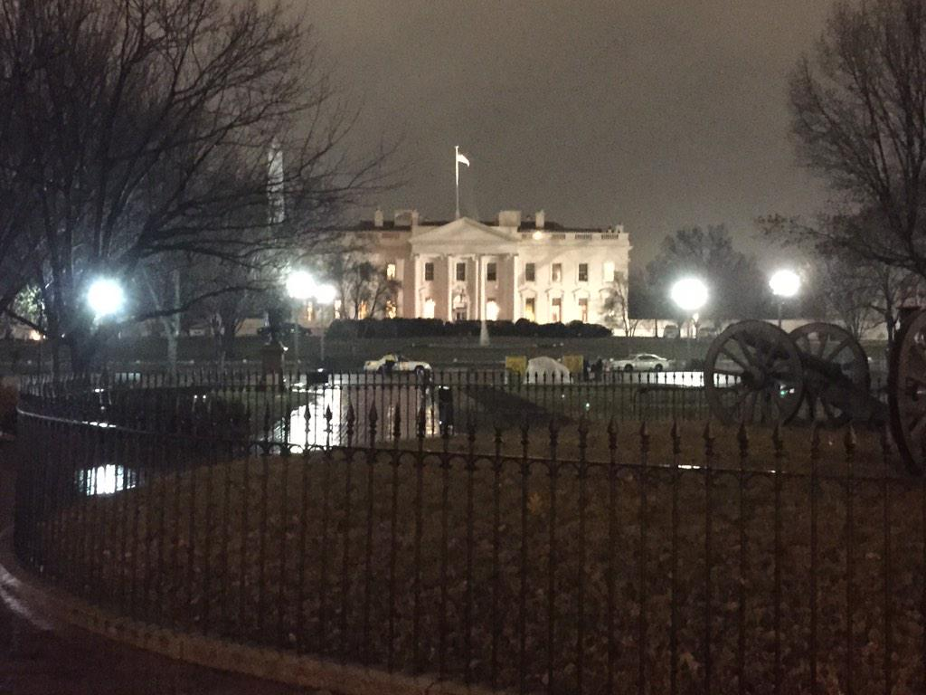 Reporting outside the White House this morning, a drone was found on the grounds overnight, everyone safe @WNEW http://t.co/kQ7BhAXMZ4