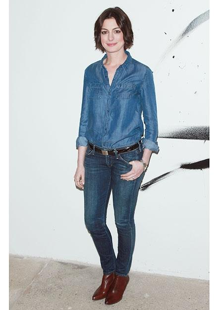 The fashion formula behind Anne Hathaway's latest look. We want in http://t.co/rtlHZDZyac http://t.co/UUnmHMUwEF
