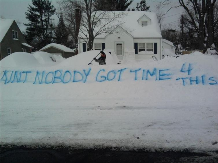"""@tparsi: BEST. SNOW. SIGN. EVER! #Snowmageddon2015 #snowpocalypse http://t.co/8PtDmf4eGt"" LOL"