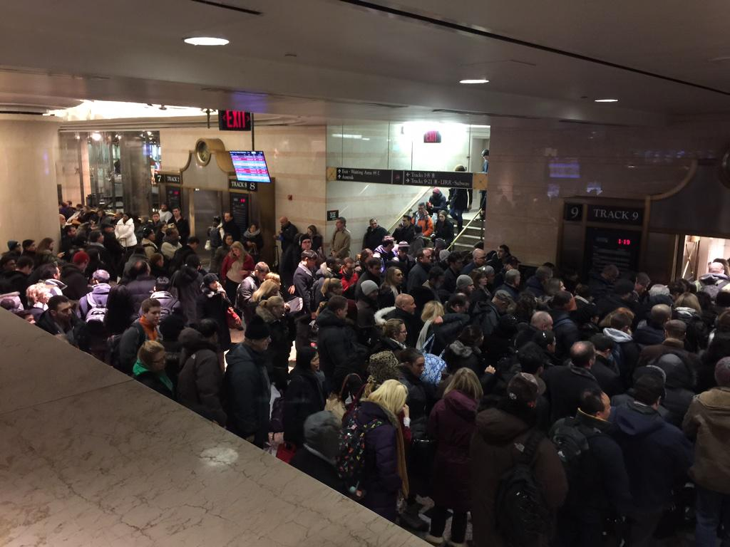 A packed Penn Station right now #BlizzardOf2015 http://t.co/ilJsp0OuPt