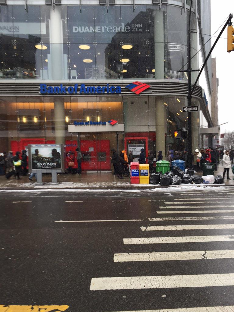 Line to get inside Trader Joes MT @MikeDelMoro: Supposed to be my next errand. MT @leffron831:  #blizzardof2015 http://t.co/09p2Edpzhm