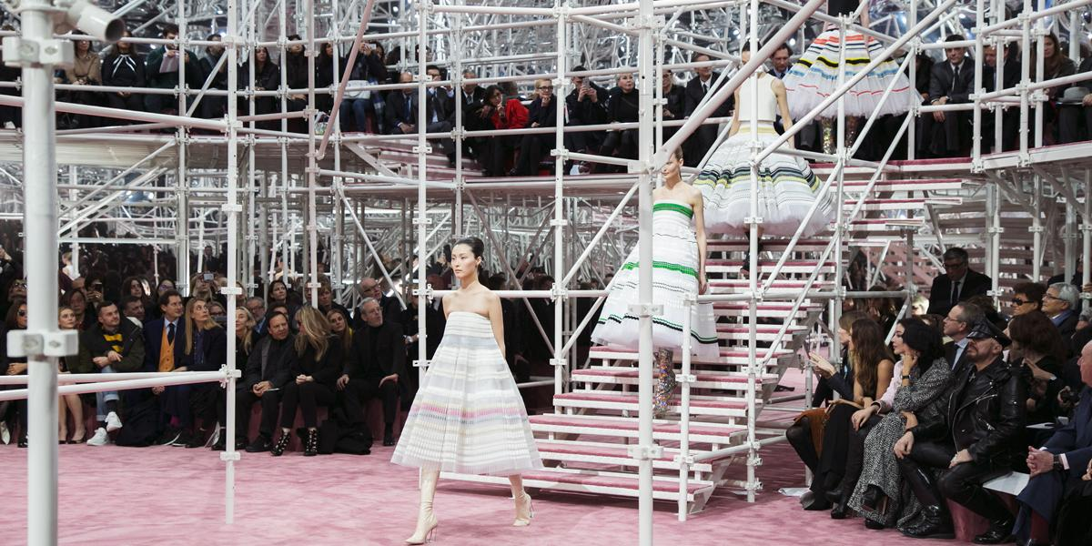 Finale of the Dior couture SS15 show. Full collection unveiled on http://t.co/55cr8SxpiR #PFW #Diorcouture http://t.co/dGEYhGFZ0h