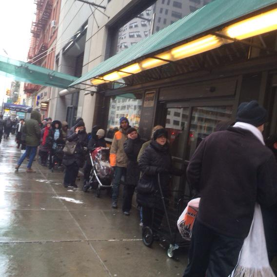 The line outside Fairway on East 86th Street as of 10:15 this morning.#snowstorm#fairway http://t.co/RWygm9UI8q