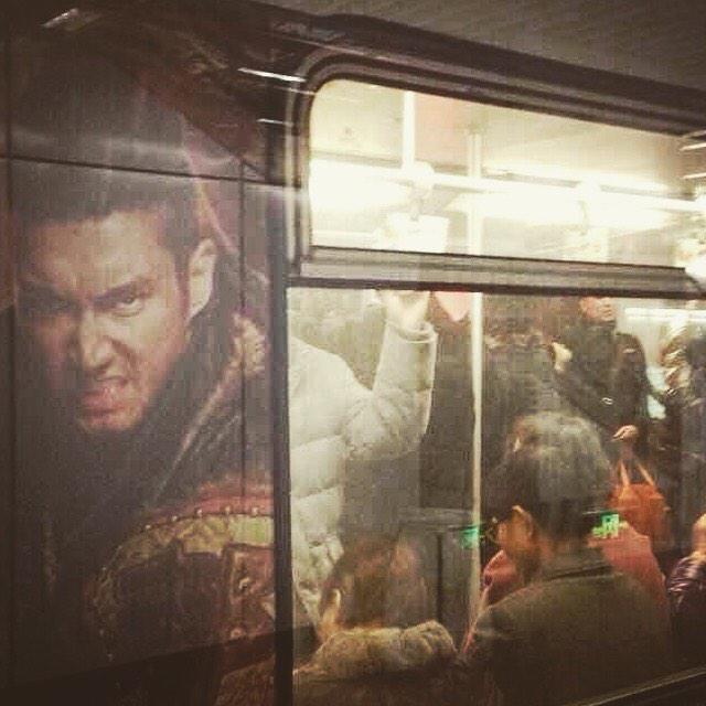 NOW BEIJING MTR 👻🚇💃💃 http://t.co/jKRY1XF...