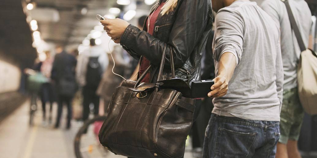 #App localiza #smartphone roubado e ainda tira foto do ladrão> http://t.co/mMpViwTZvt #mobile #tech #inovacao #in http://t.co/tIYkykkzp9