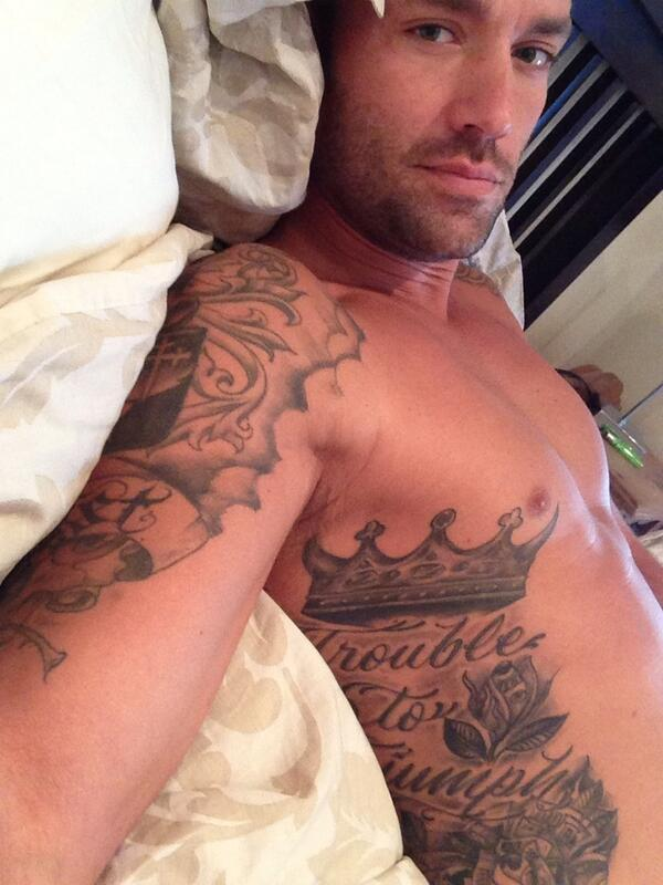 RT @melarthur2708: @CalumBest Just what I need for a monday night. Delicious 😘😘😘 http://t.co/1UTcP3fA3E