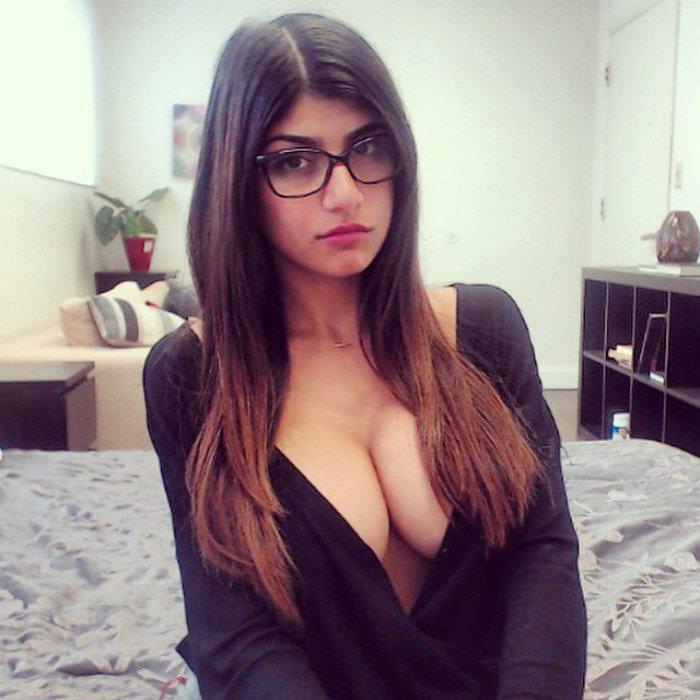 girl star adult Lebanese movie