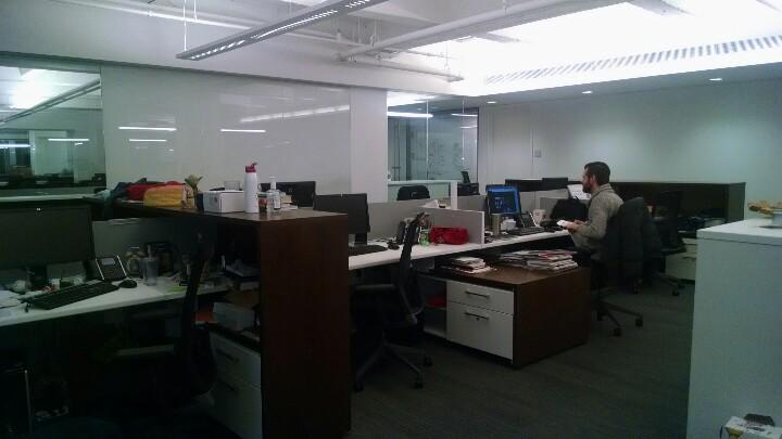 RT @judy_pollack: The deserted @adage newsroom #blizzard http://t.co/UUKVx3jSaP