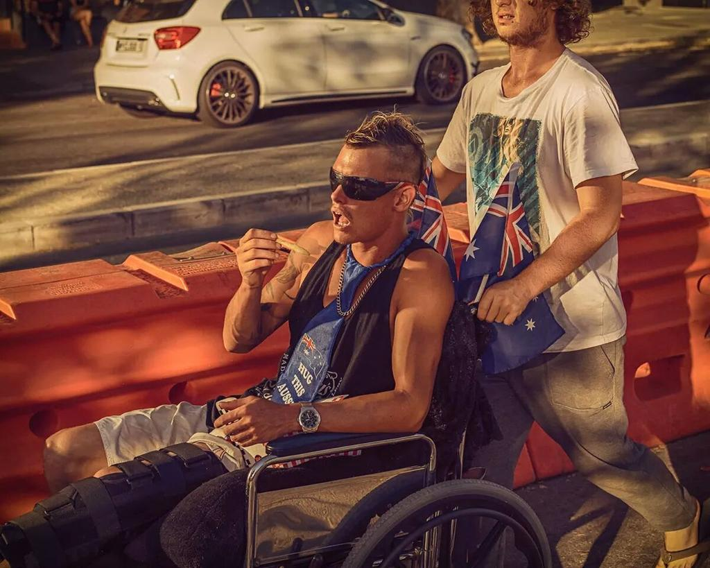 Bogan with broken leg getting pushed to Australia Day celebrations, central Perth. #AustraliaDay #straya #picoftheday http://t.co/fgSas9lNqo