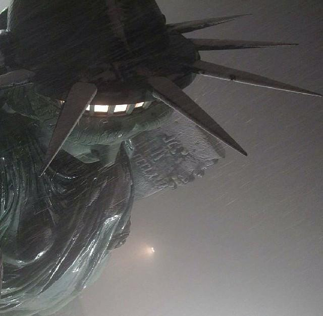 Love this @EarthCam view from @StatueLibrtyNPS's torch! #blizzard2015 http://t.co/s7xPQccU4j