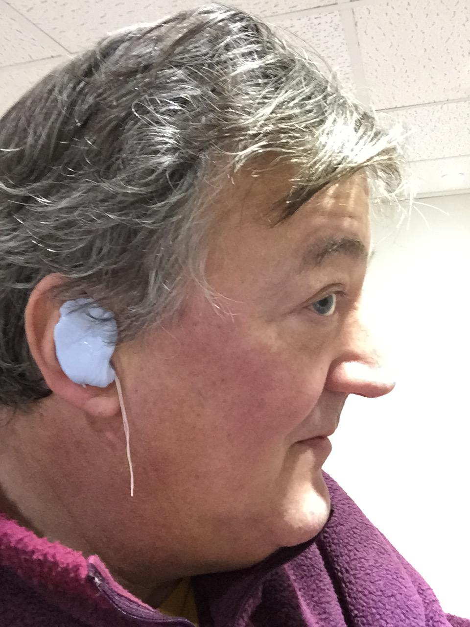 My old QI/BAFTA earpiece isn't what it was so I've been fitted for a new one by @HearingExpert … http://t.co/R7IvOU52gM